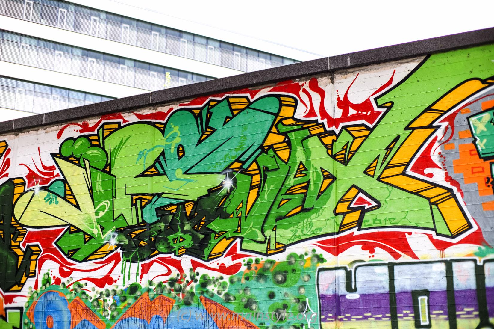 Frankfurt-Höchst_Graffiti_Süwag-Wall_2012 (14 von 35)