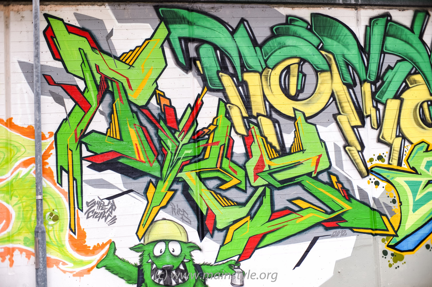 Frankfurt-Höchst_Graffiti_Süwag-Wall_2012 (19 von 35)