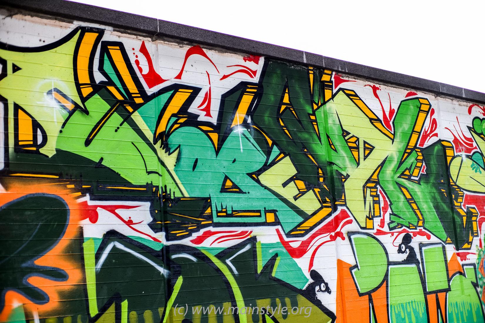 Frankfurt-Höchst_Graffiti_Süwag-Wall_2012 (28 von 35)