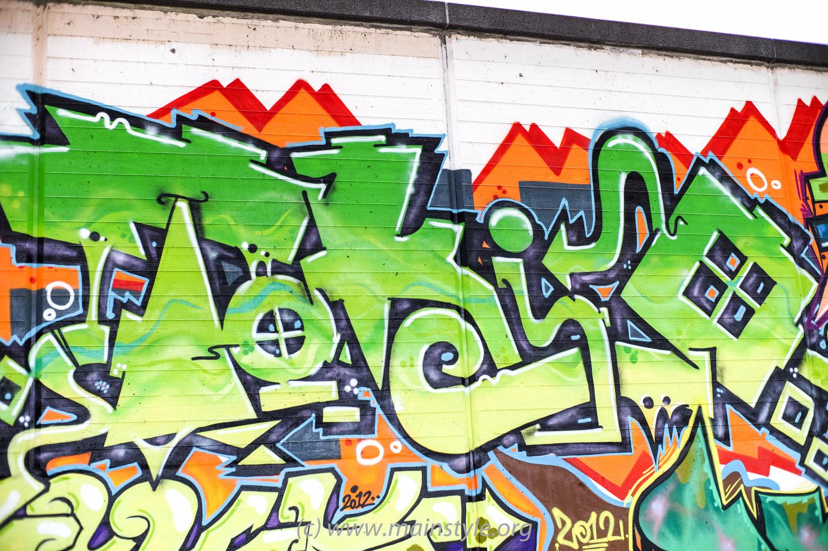 Frankfurt-Höchst_Graffiti_Süwag-Wall_2012 (8 von 35)