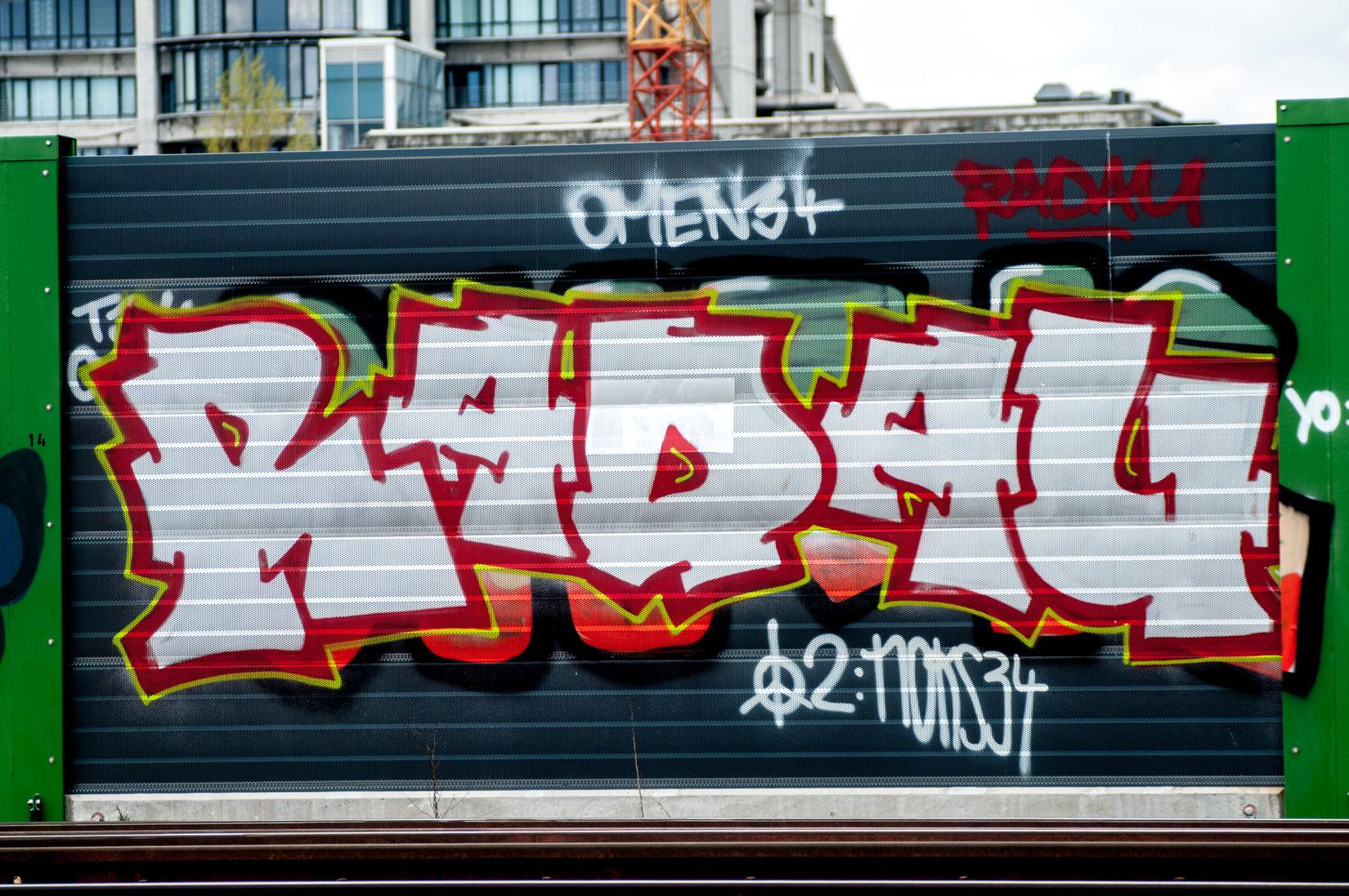 Frankfurt_Graffiti_Gallus Warte_2014-03 (16 von 45)