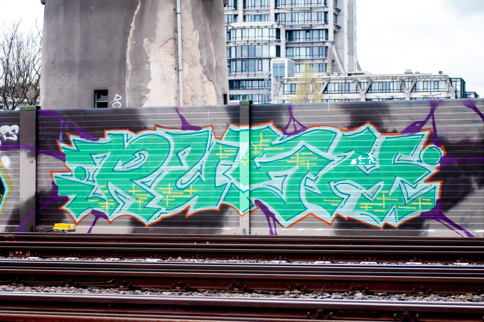 Frankfurt_Graffiti_Gallus Warte_2014-03 (19 von 45)