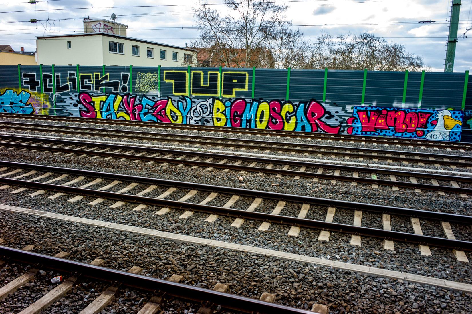Frankfurt_Graffiti_Gallus Warte_2014-03 (37 von 45)
