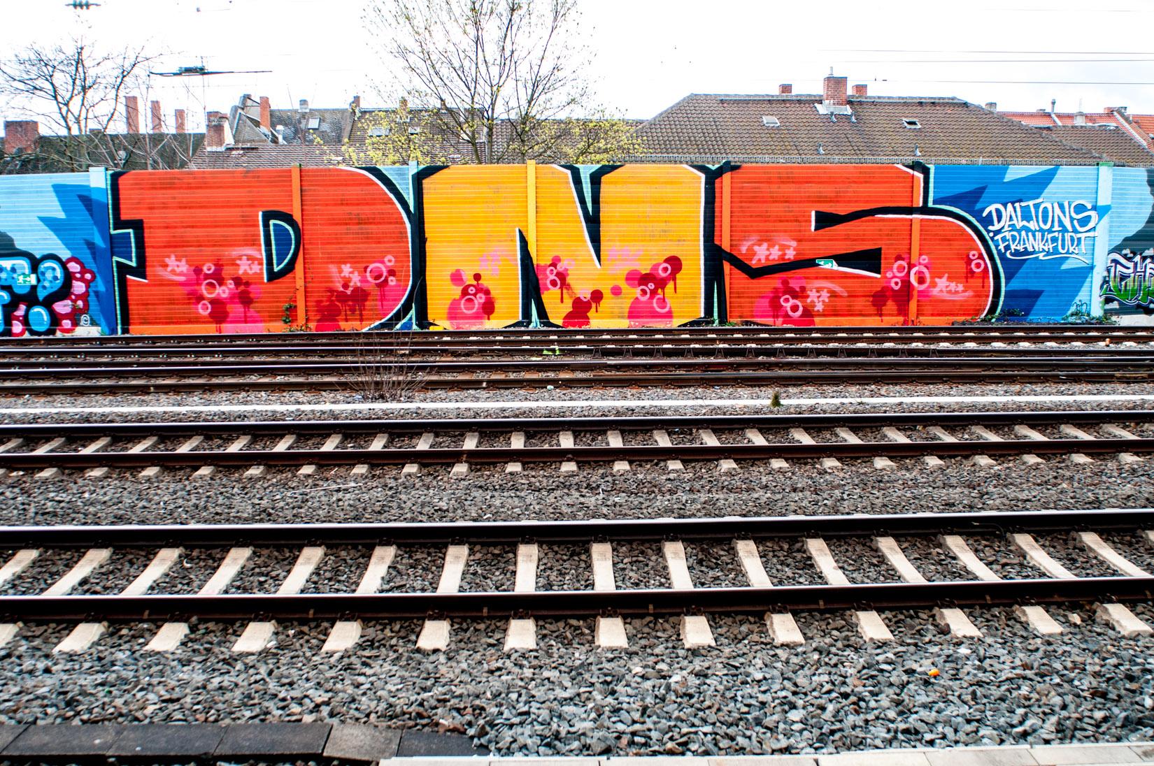 Frankfurt_Graffiti_Gallus Warte_2014-03 (44 von 45)