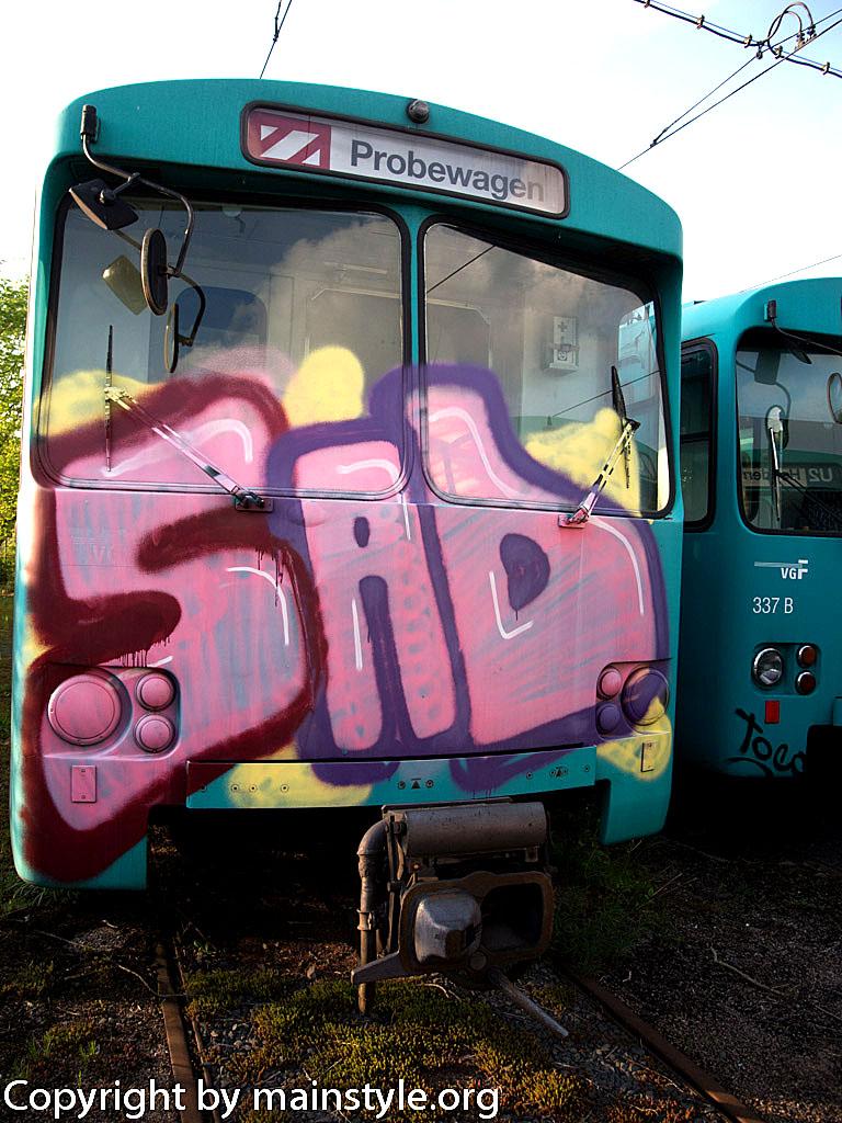 Frankfurt_Graffiti_U-Bahn_Straßenbahn_2010-2013-1219