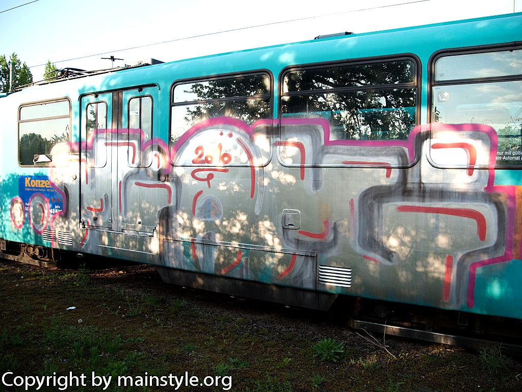 Frankfurt_Graffiti_U-Bahn_Straßenbahn_2010-2013-1220