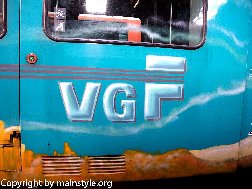 Frankfurt_Graffiti_U-Bahn_Straßenbahn_2010-2013-1253