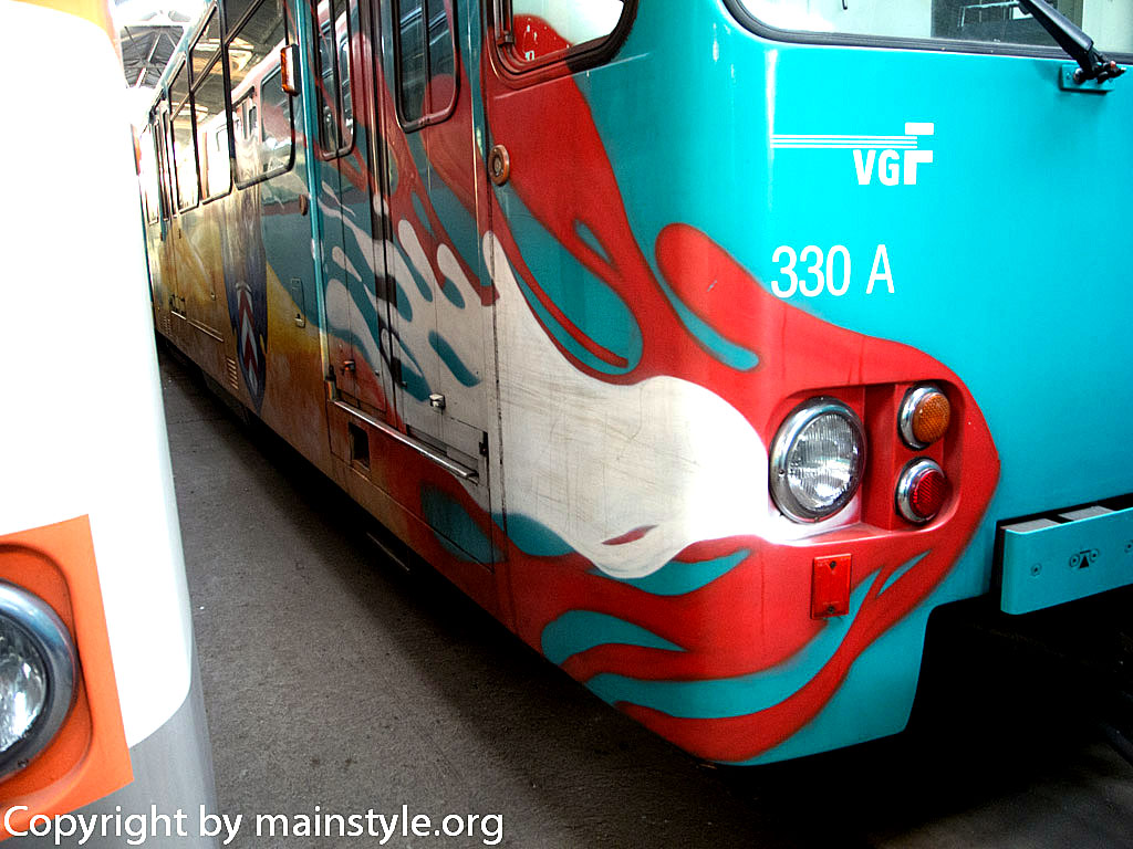 Frankfurt_Graffiti_U-Bahn_Straßenbahn_2010-2013-1257
