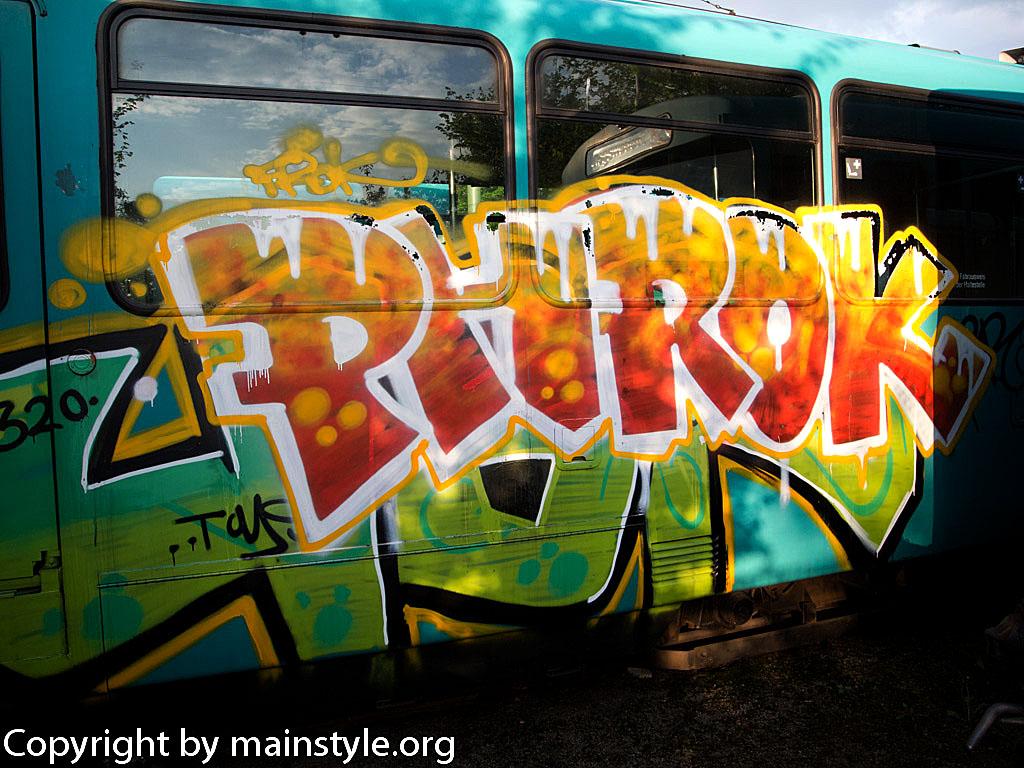 Frankfurt_Graffiti_U-Bahn_Straßenbahn_2010-2013-PHROK