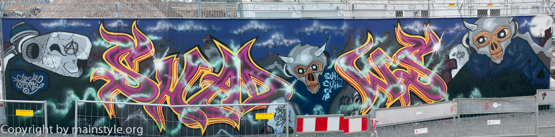 Frankfurt_Nacht_der_Museen_Graffiti_EZB_2013_Part3_full--5