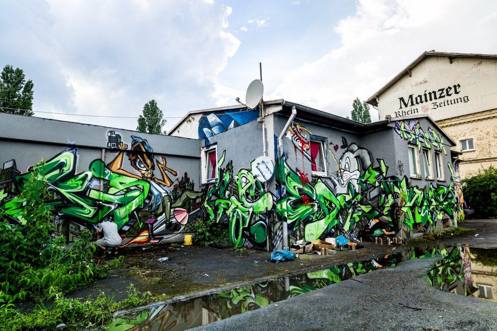 MOS2016_Wall13a_13b-13